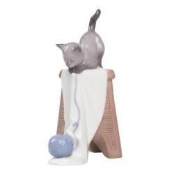 statuina gattino giocherellone