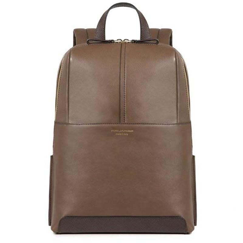 3af39ea3e8 Zaino con un comparto in pelle marrone piquadro | DomuStore, Luxury ...