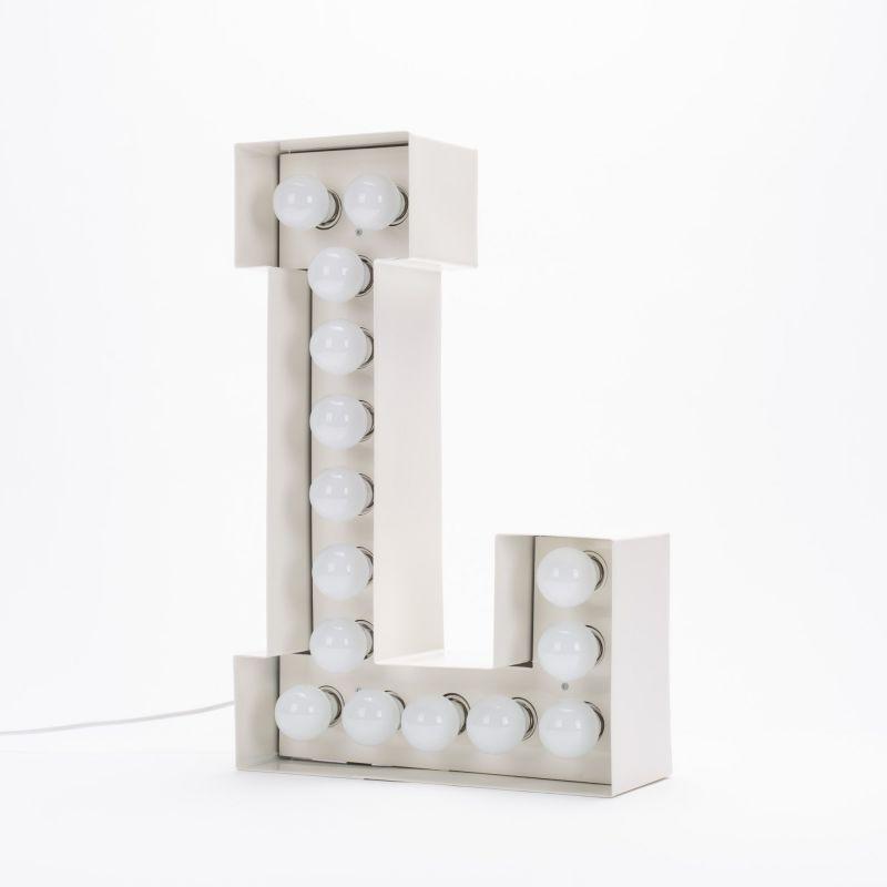 Lettera L luminosa in metallo Vegaz