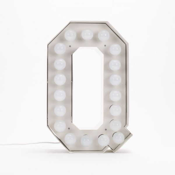 Lettera Q luminosa in metallo Vegaz