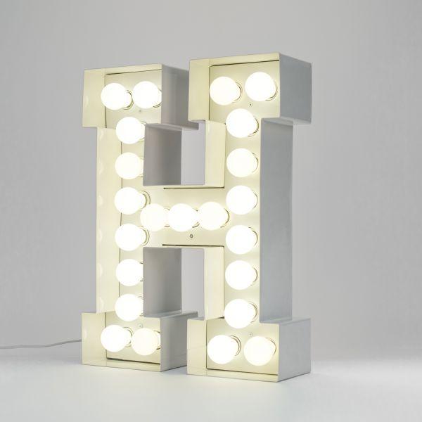 Lettera H luminosa in metallo Vegaz