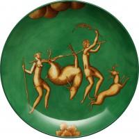 Piatto Amazzone con giavellotto. fondo verde la venatoria